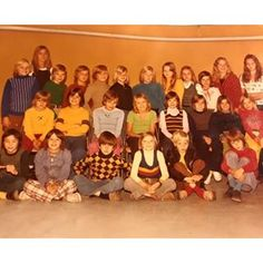 Oh my oh my... Found this picture from 4th. grade in school. Can you find me? :) #rememberschool #memorylane