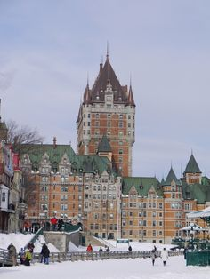 Frontenac Castle - Quebec City / Canada © Stayed here in 1998 for our anniversary Beautiful Places In The World, Oh The Places You'll Go, Vacation Destinations, Vacation Ideas, 4th Anniversary, Canada, Quebec City, Adventure Is Out There, Adventure Awaits