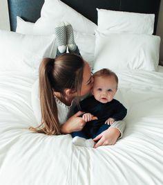 Mother Baby Photography, Newborn Baby Photography, Newborn Photos, Pregnancy Photos, Baby Photos, Family Photography, Mother And Baby, Mom And Baby, Baby Love