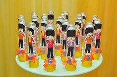 Meu Dia D Mãe- 01 ano Bernardo - Tema Beatles (9)