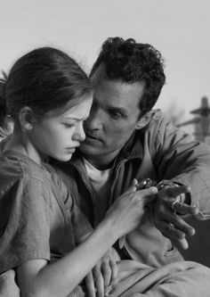 Interstellar - Publicity still of Matthew McConaughey & Mackenzie Foy. The image measures 5760 * 3840 pixels and was added on 11 November Christopher Nolan, Mackenzie Foy, Interstellar Explained, Matthew Mcconaughey Young, Nolan Film, Foreign Movies, Carl Sagan, Celebrity Dads, Interstellar
