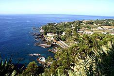 Caloura vista do Miradouro do Pisão, Lagoa, ilha de São Miguel, Açores.JPG