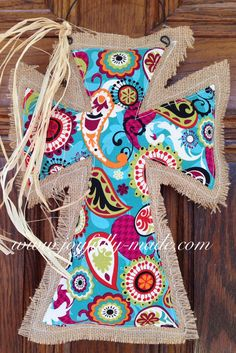 Burlap Cross Door Hanger--Blue Paisley Burlap and Raffia Cross--Burlap Door Hanger Cute Crafts, Crafts To Make, Arts And Crafts, Diy Crafts, Burlap Projects, Craft Projects, Sewing Projects, Craft Ideas, Sewing Ideas