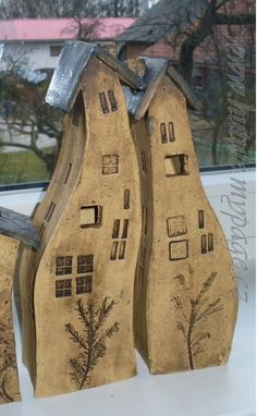 Clay Houses, Ceramic Houses, Ceramic Birds, Miniature Houses, Ceramic Art, Driftwood Crafts, Wooden Crafts, Styrofoam Art, Mini Vasos