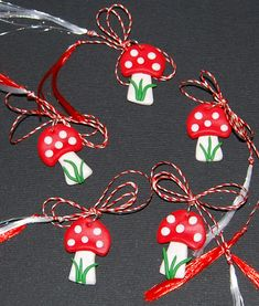 Martisor Romania is a Spring celebration is on the first day of March. Martisor Wishes: Happy Martisor Day and an amazing spring! Easy Crafts, Diy And Crafts, Crafts For Kids, Arts And Crafts, International Craft, Hedgehog Craft, 8 Martie, Mothers Day Crafts, Polymer Clay Crafts