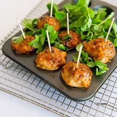 Office catering is the specialty of MMM for almost 17 Years; they are the members of Restaurant & Catering NSW, fulfilling the standard requirements to be Gold licensed caterers. Independently utilizing the services of food check to ensure safety and updated with all the current health policies.
