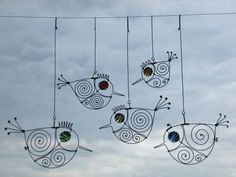 A Flock Of Five Small Wire Birds. Love this idea
