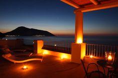 Scopri un luogo tranquillo dove puoi rilassarti, mangiare bene e sano, fare sport e divertirti! E' l'Hotel Cutimare di #Lipari, situato nel cuore del piccolo villaggio di  Acquacalda, nella parte settentrionale dell'Isola   #eolie #hotel #viaggi #vacanze   Scoprilo su www.imperatore.it