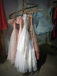 I found these gowns in a vintage clothing store in downtown Toronto. Strange how some fashions seem to be timeless. Somethig about these lacey confections suggests they would be at home in a contemporary prom, a wedding now or thirty years ago, and n Her gelin bizimle bir best model Dressing Room Closet, Dressing Rooms, Vintage Clothing Stores, Downtown Toronto, Best Model, Body Shapes, Beauty Hacks, Vintage Outfits, Dress Up