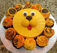 lion cake with cupcake mane... neat! - this is so adorable!!! And a great idea! Simple for anyone to do!