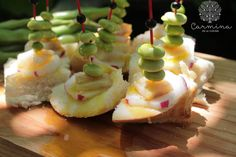 Panaceite con habas,bacalao y rábanos http://www.carminaenlacocina.com/2015/05/panaceite-con-habas-bacalao-y-rabanos.html