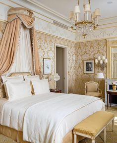 The Ritz Paris Reopens (and ten fun facts) - Katie Considers Shabby Chic Bedrooms, Guest Bedrooms, Hotel Bedrooms, Small Bedrooms, Paris Bedroom, Home Decor Bedroom, Retro Home Decor, Cheap Home Decor, The Ritz Paris