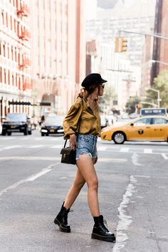 summer outfits with doc martens best outfits Style Outfits, Casual Fall Outfits, Mode Outfits, Short Outfits, Trendy Outfits, Fashion Outfits, Grunge Outfits, Fashion Ideas, Mode Grunge