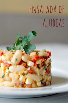 Ensalada de alubias blancas Easy Healthy Recipes, Veggie Recipes, Real Food Recipes, Salad Recipes, Easy Meals, Mediterranean Recipes, No Cook Meals, Summer Recipes, Food And Drink