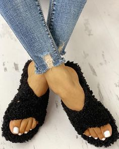 Shop Solid Fluffy Crisscross Design Flat Sandals right now, get great deals at bellewholesale Trend Fashion, New Fashion, Fashion Shoes, Womens Fashion, Style Fashion, Fashion Online, Cheap Fashion, Sneakers Fashion, Fall Fashion