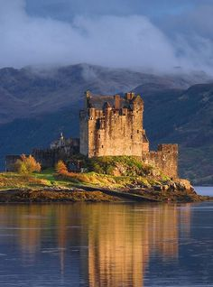 Duart Castle - Isle of Mull, Scotland. The castle dates back to the century and is the seat of Clan MacLean. Chateau Medieval, Medieval Castle, Scotland Castles, Scottish Castles, Beautiful Castles, Beautiful Places, Dream Vacations, Vacation Spots, Great Places