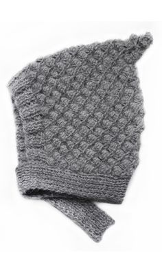 Drumroll please... for our new Cloud of Love project: 1 alpaca hat sold = 10 nutritious meals given to a malnourished baby in Burkina Faso. For each alpaca hat sold, we give 2 EUR to the Fondation Dr Elvire Engel, a Luxembourg based NGO that cares for women and children in need in Burkina Faso...