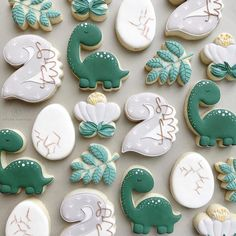 The cutest little Dino set with some vintage greens, neutrals and the teeniest bit of yellow! Happy birthday to s little dude! Dinosaur Cookies, Dinosaur Birthday Cakes, Dinosaur Party, 1st Boy Birthday, 2nd Birthday Parties, Dinosaur Dinosaur, Dinosaur Cake Pops, First Birthday Cookies, Elmo Party