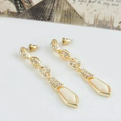 Jewelry - AVAILABLE! CREAM AND CRYSTAL DROP EARRINGS