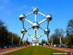"""http://www.thaiiairways.com/tuyen-bay/ve-may-bay-di-brussels.html  Vé máy bay đi Brussels  Thành phố Brussels được xem như là """"trái tim Châu Âu"""", là nơi du khách nên dành thời gian ghé thăm để chiêm ngưỡng những cảnh đẹp tuyệt vời ở đây và giao lưu với những người bản xứ vô cùng thân thiện và tốt bụng. Brussels đóng vai trò là trung tâm của toàn khu vực, khi tập trung hàng ngàn tổ chức, tập đoàn quốc tế và có hành trình phát triển rất dài theo sự phát triển lịch sử chung của Châu Âu. Tuy…"""