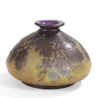 Établissements GALLÉ (1904-1936)  - Érable Negundo  - Vase en forme de pot à [...], Arts Décoratifs & Sculptures du XXe siècle at Ader