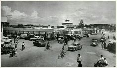 Pasar Ya'ik Permai Aloon-Aloon Tengah Semarang 1970an. Latar belakang Mesjid Kauman Semarang.