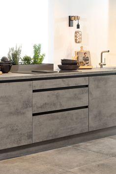 Modern Grey Kitchen, Grey Kitchen Designs, Kitchen Room Design, Condo Kitchen, Modern Kitchen Cabinets, Modern Kitchen Design, Dining Room Design, Interior Design Kitchen, Kitchen Decor