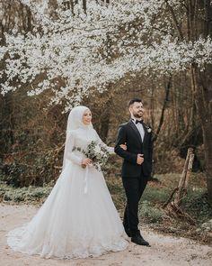plus size black gothic wedding dresses Muslim Wedding Dresses, Muslim Brides, Wedding Hijab, Wedding Poses, Wedding Couples, Wedding Bride, Dress Wedding, Indian Wedding Couple, Indian Wedding Outfits