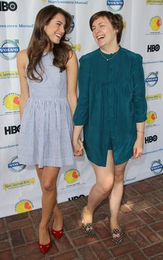 Allison Williams and Lena Dunham Lena Dunham Girls, Girls Hbo, Cute Captions, Tv Show Casting, Allison Williams, Emily Vancamp, Daniel Gillies, Zooey Deschanel, Jamie Fraser