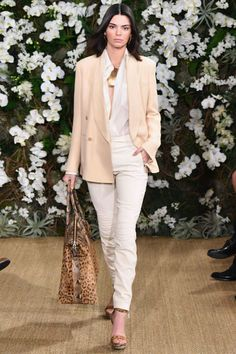 The oversized tailored blazer is definitely one of the eye-catching and traditional trends during New York Fashion Week. The classic blazer brings a professional and sophisticated look to your outfit. You can now getthis oversized blazer now on sale!