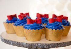 Lindas inspirações de convite, bolo, doces, decoração e lembrancinhas para uma festa Branca de Neve dos sonhos!