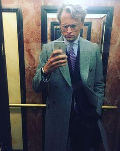 "70 gilla-markeringar, 3 kommentarer - STILJOURNALEN (@stiljournalen) på Instagram: ""Mr. Filip Strömbäck riding the elevator with enormous style! @filipstromback #stiljournalen"""