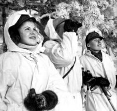 """Women of """"Lotta-Svärd"""" organization acted among other things in air surveillance. Helsinki, History Of Finland, Finnish Women, War Photography, Women In History, Vietnam War, Japan, Military History, Armed Forces"""