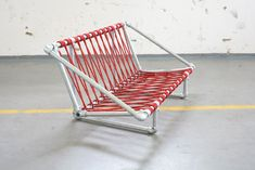 Nicola Stäubli combined Kee Klamp fittings, climbing rope and inflatable mattresses to design this very unique pipe couch. The frame is constructed of steel pipe and Kee Klamp pipe fittings giving the couch a very strong industrial feel.
