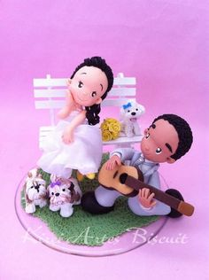 bride and groom cake topper Polymer Clay Figures, Polymer Clay Dolls, Wedding Cake Toppers, Wedding Cakes, Fondant Figures Tutorial, Bride And Groom Cake Toppers, Wedding Doll, Wedding Bride, How To Make Clay