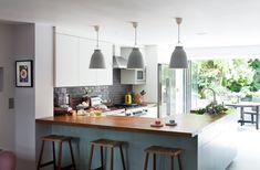 I like this layout: u shaped kitchen / Contemporary Kitchen by Matteo Bianchi Studio Corner Kitchen Pantry, Open Plan Kitchen, New Kitchen, Kitchen Dining, Kitchen Decor, Kitchen Ideas, Space Kitchen, Kitchen Stools, Kitchen Island