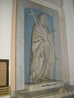 Altar y sepulcro de la   Venerable MARIA ANTONIA DE PAZ Y FIGUEROA (1730-1799).  Iglesia de La Piedad, Buenos Aires.