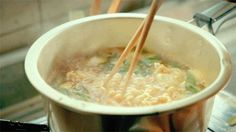 gif yummy cravings hungry ramen huh gak asian food noodles The Person Who Once Loved Me Asian Noodle Recipes, Asian Recipes, Oriental Recipes, Kimchi, Ramen Hacks, How To Make Ramen, Food Porn, Gif Animé, Animated Gif