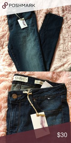 Jessica Simpson kiss me supper skinny jeans NWT size 29 🚨 NO TRADES!  OFFERS WELCOME !  •Please use the offer button for any offers  •No low balling !  •Everything cheaper thru merc, vinted, & fashion stash .  •Bundle and automatically save 10% Jessica Simpson Jeans Skinny