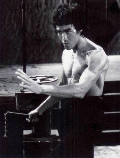 PSYKRATEUS : Bruce Lee blog