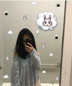 Sun-Hee era muito tímida e teve de se mudar de escola, lá encontrou J… # Romance # amreading # books # wattpad Snap Snapchat, Snapchat Selfies, Snapchat Picture, Instagram And Snapchat, Instagram Story, Snapchat Ideas, Mode Ulzzang, Ulzzang Girl, Tumblr Photography
