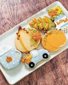 Thanksgiving Cookies, Fall Cookies, Iced Cookies, Cut Out Cookies, How To Make Cookies, Christmas Cookies, Pillsbury Halloween Cookies, Halloween Cookie Recipes, Cookie Recipes For Kids