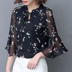 Floral Pattern Clothes has never been so Gorgeous! Since the beginning of the year many girls were looking for our Flawless guide and it is finally got released. Now It Is Time To Take Action! Look Fashion, Hijab Fashion, Trendy Fashion, Fashion Dresses, Fancy Tops, Trendy Tops, Kurti Neck Designs, Blouse Designs, Stitching Dresses