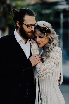 We are loving these lace detailed sleeves with fringe | Image by Addison Jones Photography