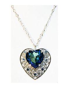 elegante colgante corazón en cristal de Swarosky. En kunsento.com, regalos para mujeres