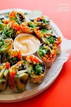 These Mexican Style Summer Rolls are a fresh and delicious recipe to cook up for your summer meal prepping, snacking or dinner! Recipes Using Pork, Spicy Recipes, Mexican Food Recipes, Vegetarian Recipes, Cooking Recipes, Sushi Roll Recipes, Lunch Recipes, Appetizer Recipes, Appetizers