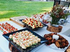 Casual outdoors setting Catering, Outdoors, Events, Cheese, Casual, Food, Catering Business, Gastronomia, Essen