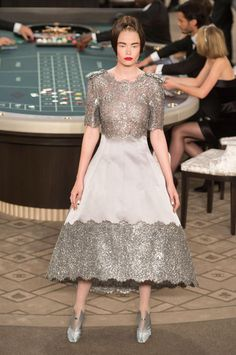 Haute Couture Winter 2015/16: Königin Couture | Harper's BAZAAR – Chanel