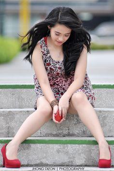Beautifull Girl: https://www.facebook.com/vietnambeautifulgirls