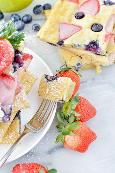 Delicious Pancake Sheet Tasty Pancakes, Milk And Eggs, Perfect Breakfast, Shredded Coconut, Fresh Fruit, Breakfast Recipes, Brunch, Yummy Food, Favorite Recipes